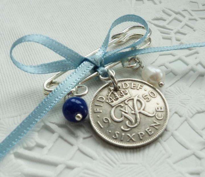 Algo velho, algo novo, algo emprestado, algo azul: tradições ecuriosidades