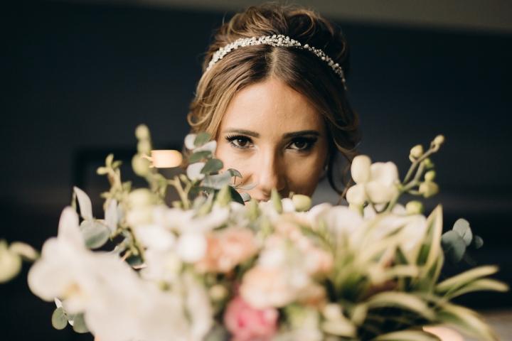 O que o seu buquê de noiva diz sobre você e suacerimônia?
